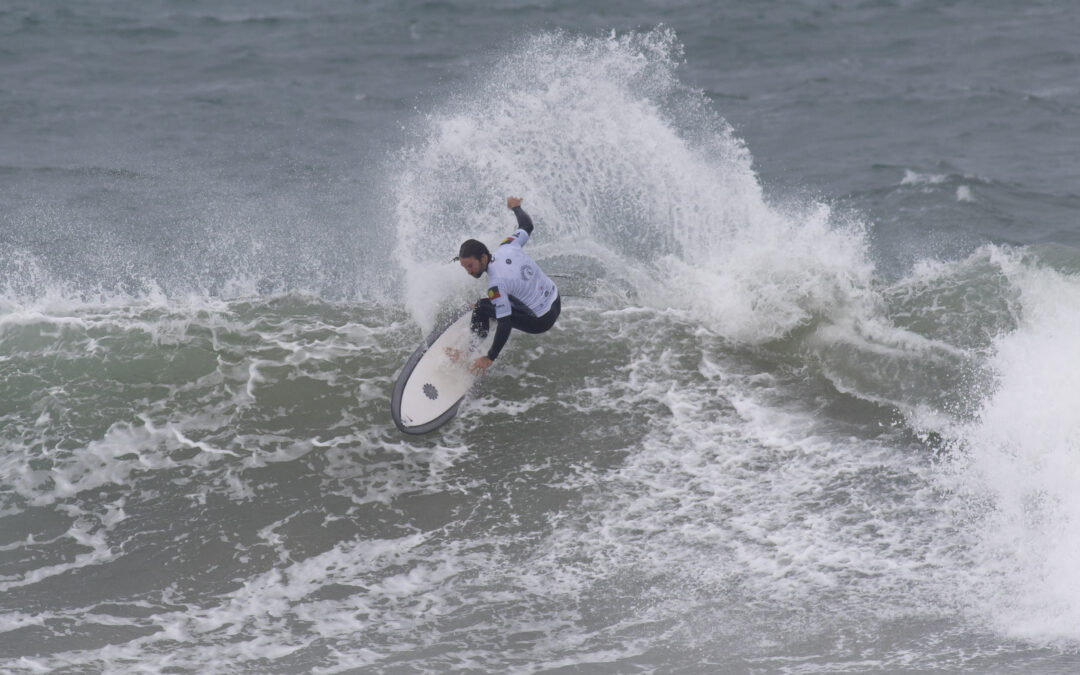 2019 Australian Indigenous Surfing Titles gets underway in wintery conditions at Bells Beach